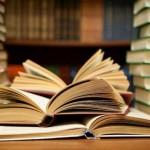 Câte titluri au publicat editurile româneşti în 2012 ?