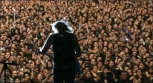 Let's Rock! Vezi care sunt cele mai tari concerte rock din România !