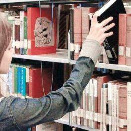 """Hai la bibliotecă! Programul estival de lectură """"E vremea cititului"""""""