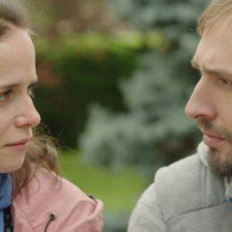 """Singurul film românesc premiat la Berlinale, """"Ana, mon Amour"""", de vineri în cinematografe"""