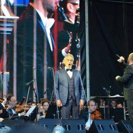 FOTO/VIDEO Andrea Bocelli a vrăjit publicul pe Cluj Arena