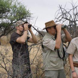 """Documentar incomod, """"Safari, de ce vânează oamenii"""", din august intră în cinematografe"""